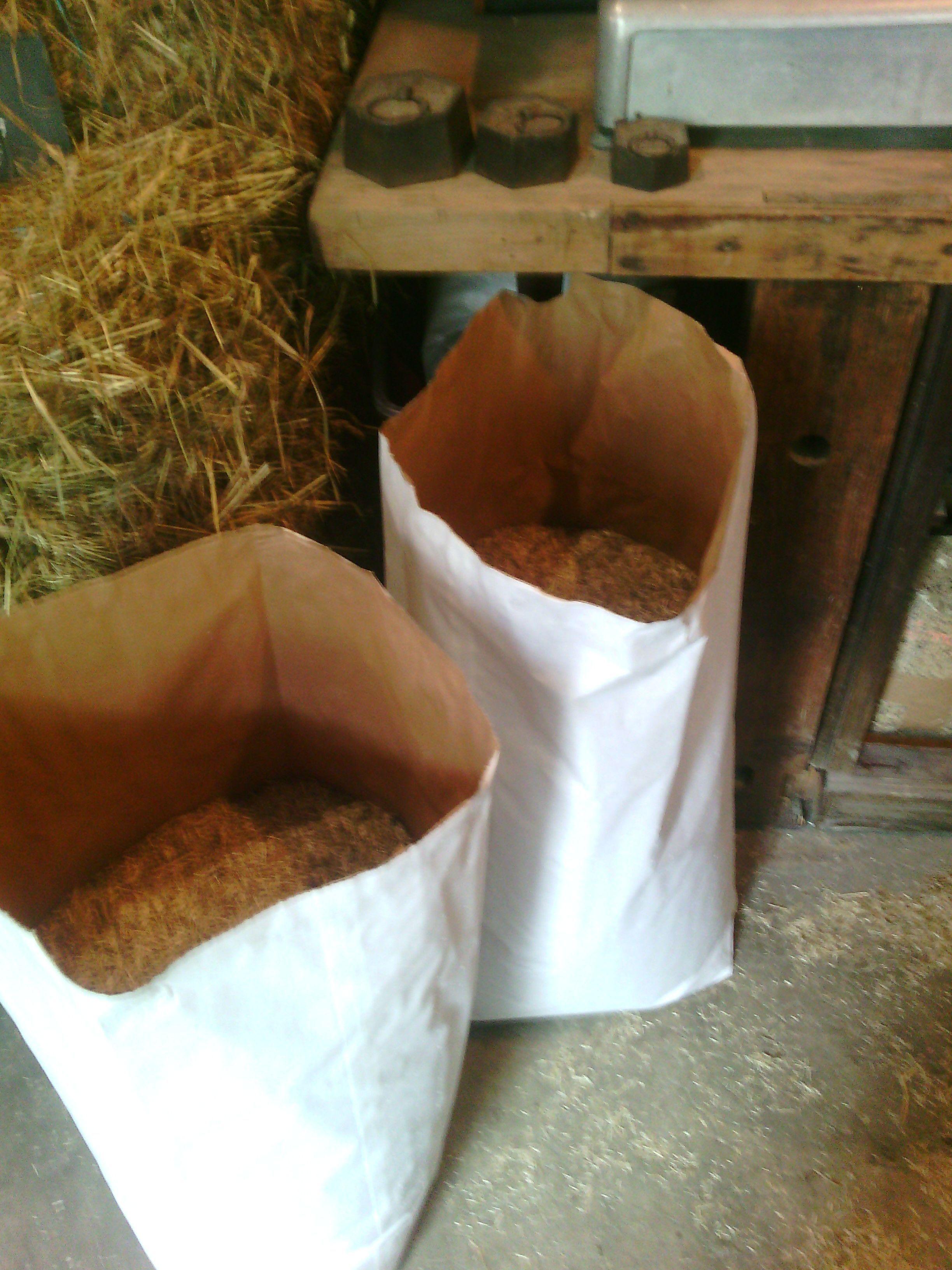 Vente paille foin graines essonne page 5 - Paillis de lin ...